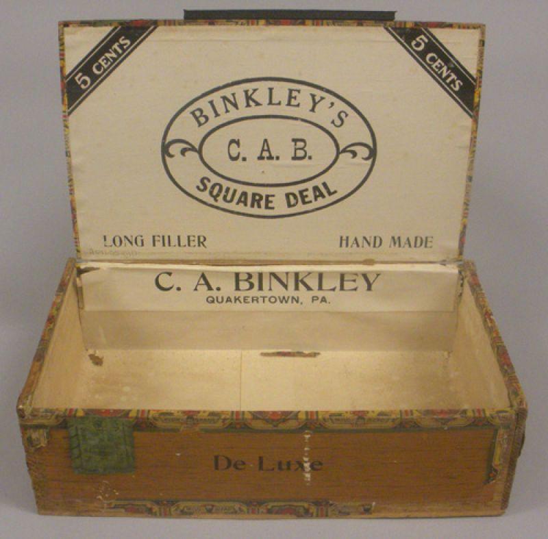 """Binkley's """"Square Deal"""" Cigar Box"""